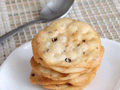 Crispy and Deep Fried Maida (all purpose flour) Puri with Cumin Seeds and Whole Black Pepper -Farsi Puri