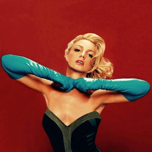 Unreleased Pinup Of Britney Spears From 2003 Esquire