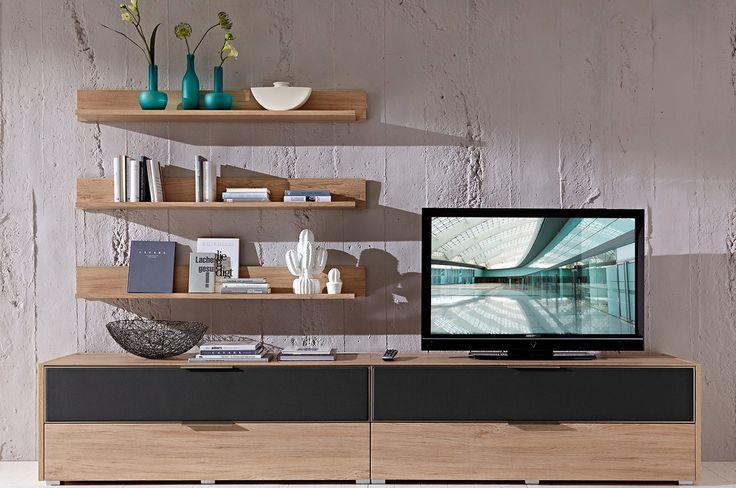 Wyróżnikiem kolekcji jest tkanina na frontach modułów, która przepuszcza dźwięk płynący z głośników ukrytych wewnątrz praktycznych mebli.  #meble #furniture #interior #salon #livingroom #design