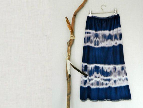 MUSE . women's tie dye skirt . size 16 . navy blue .
