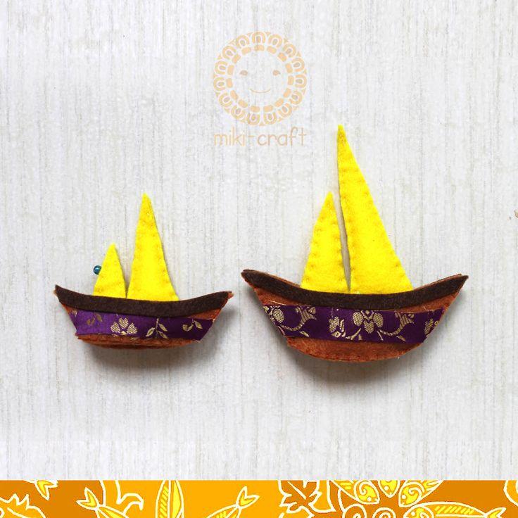 Lancang Kuning boat~ Riau region symbolic icon made by felt, combinate with Riau Melayu pattern fabric http://miki-craft.blogspot.com/
