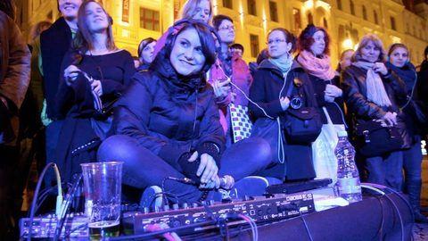 Acuo Urban Symphony - Lenka Dusilová / Silent concert in Prague