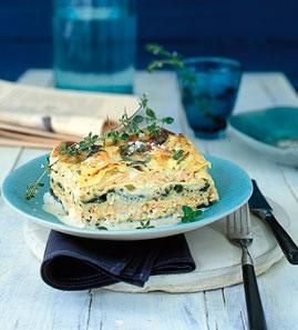 Lachslasagne mit Spinat und Parmesan