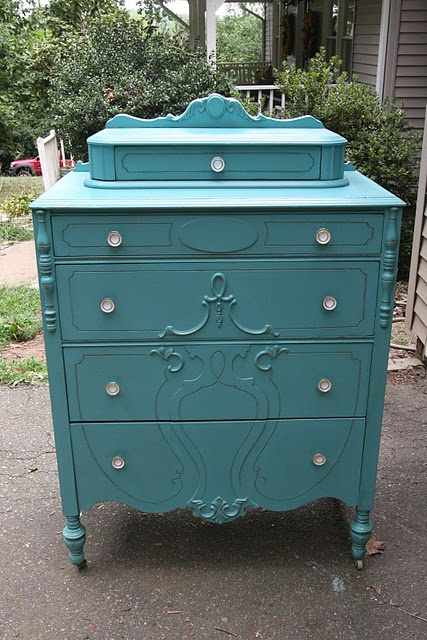 ♥♥♥: Paintings Furniture, Green Dresser, Blue Paintings, Paintings Chest, Furniture Redo, Tiffany Blue, Paintings Dressers, Chest Of Drawers, Blue Dressers