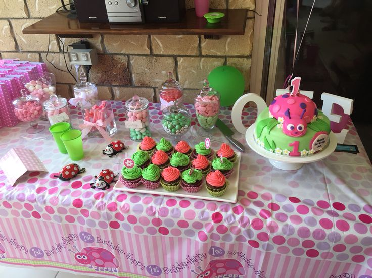 Lady bug theme party lolly table