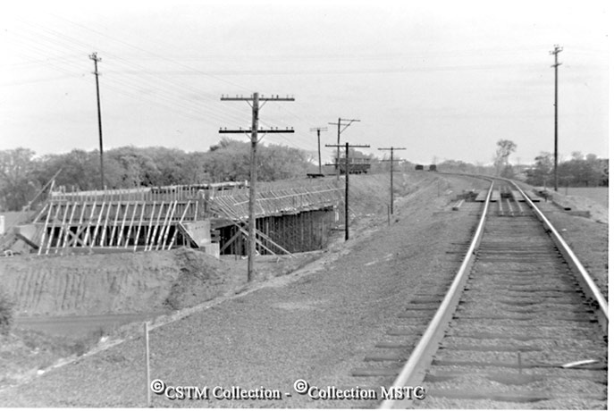 Location: Ottawa, Bells Corners, ON  Railway Name: CANADIAN NATIONAL RAILWAYS  Caption: Shoofly built around the new overpass over Moodie Drive in Bells Corners.