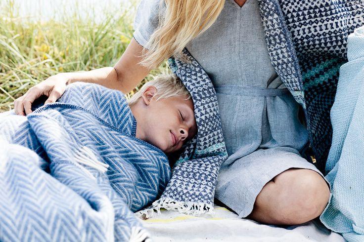 Enjoy each moment! IIDA pocket shawl, 100% wool. AINO throw, 100% wool. KASTE bath gown, 100% washed linen. Made by Lapuan Kankurit.
