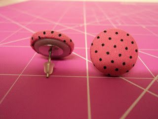 Dani Artes - Produtos artesanais: Passo a passo de botão forrado com tecido
