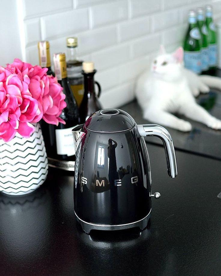 My brand new  #smegkettle and handsome as always  #Ed  #kitchendecor #smeg #cats #Edek #EdTheWhiteCat #whitecat #newin #myinteriorcats