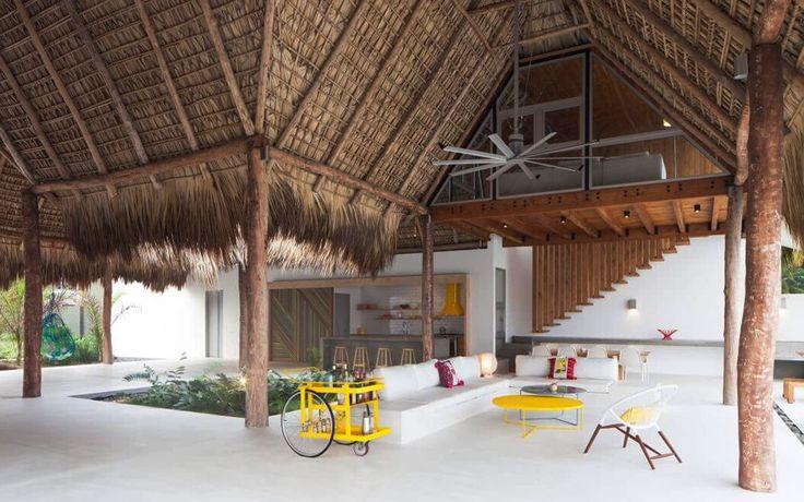 Пляжный домик в стиле бунгало с бассейном