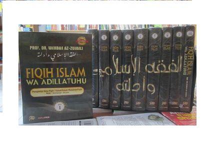 Fiqih Islam Wa Adillatuhu 1 SET terdiri dari 10 Jilid Buku Penulis : Prof. Dr. Wahbah Az-zuhaili Hardcover 26.4 x 19.5 cm Tahun: 2011  Buku ini membahas aturan-aturan syariah islamiyah yang disandarkan kepada dalil-dalil yang shahih baik dari Al-Quran, As-Sunnah, maupun akal. Oleh sebab itu, kitab ini tidak hanya membahasa fiqih sunnah saja atau membahasa fiqih berasaskan logika semata.  Selain itu, karya ini juga mempunyai keistimewaan dalam hal mencangkup materi-materi fiqih dari semua…