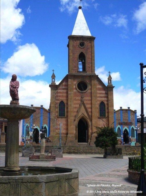Iglesia de Ráquira, Boyacá, Colombia.