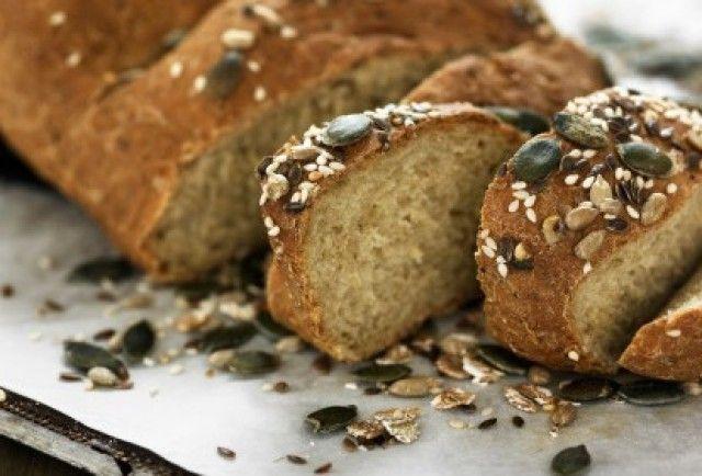Come preparare un delizioso pane integrale con semi misti