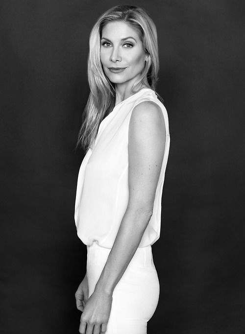 Elizabeth Mitchell - aka Queen of everything
