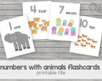 Enseña a tus niños con estas lindas tarjetas.  Son 12 animales de la granja, son cuatro tarjetas en una hoja tamaño carta, son de 10.795 cm de ancho por 13.97 cm de alto cada una. Cualquier pregunta u órdenes personalizadas no dudes en contactarme, te ayudaré con gusto.  Los colores pueden variar de la pantalla a la impresión.  Se manda un archivo digital, no recibirás nada impreso.