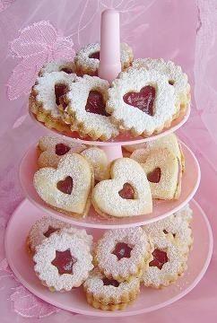 Mansikkaiset pikkuleivät