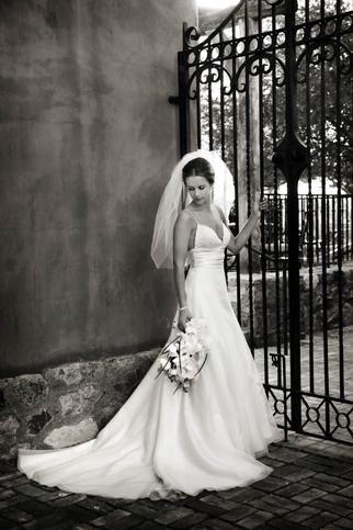 Rebecca and Conan's Scottsdale wedding. Beautiful! #Amsale #RealWedding