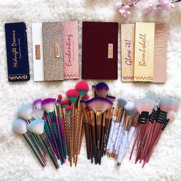 This is not a drill, get 25% off EVERYTHING with code GWALOVE  Grab your fave eyeshadow palettes, brushes, lashes or nails  Limited time sale. Excludes already discounted items www.girlswithattitude.co.uk