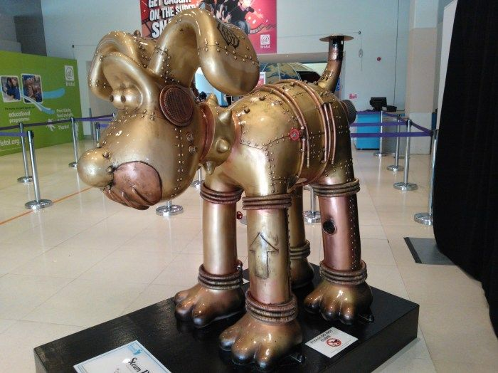 Steam Dog by Dan Shearn - Gromit Unleashed photos - 80 of them hidden are around Bristol.