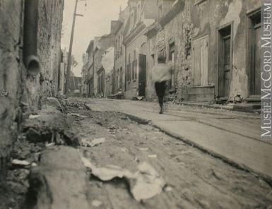 Rue du Petit-Champlain, Québec, QC, 1898