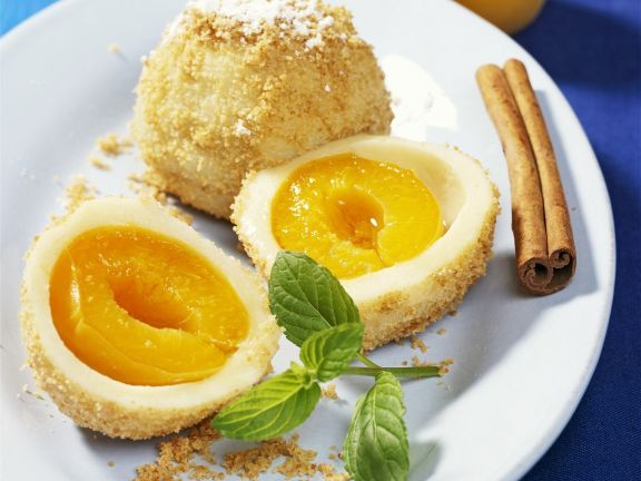 Aprikosenknödel ist ein Rezept mit frischen Zutaten aus der Kategorie Steinobst. Probieren Sie dieses und weitere Rezepte von EAT SMARTER!