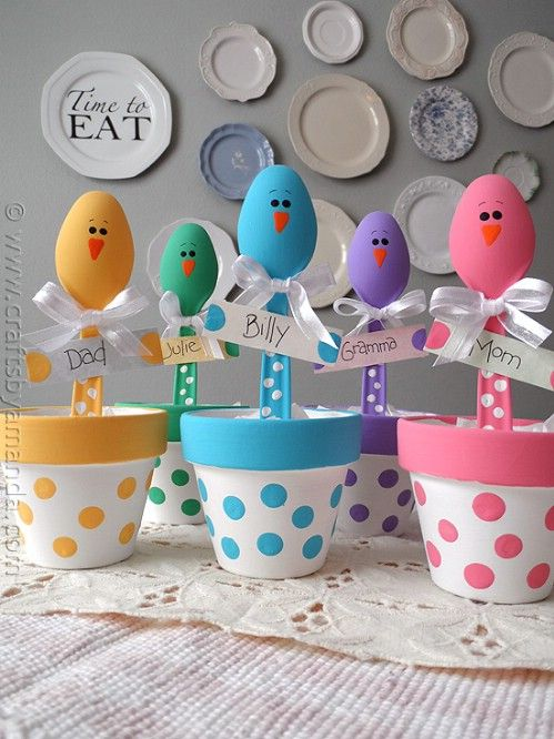 Colorful Chick Placeholders - 80 Fabulous Easter Decorations You Can Make Yourself