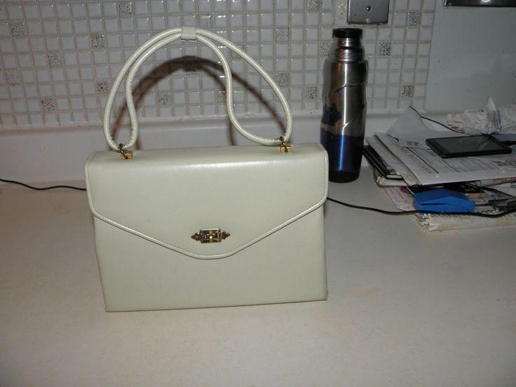 True Vintage Pocketbook. Bone Color. Zippered Pocket inside. Lovely. #Uknown #Baguette