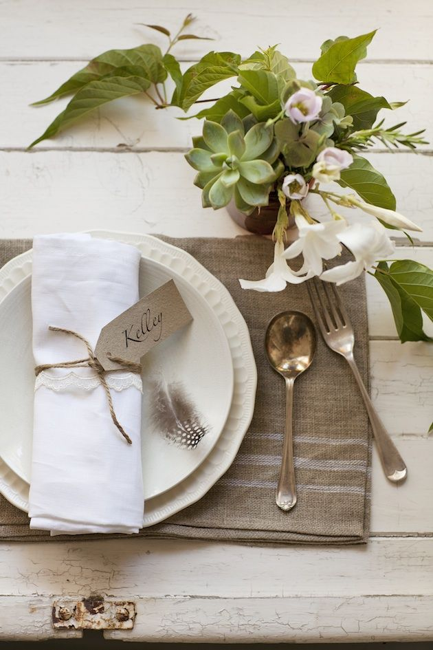 1000 ideas about casual table settings on pinterest christmas place setting table settings - Interesting tables capes for christmas providing cozy gathering space ...