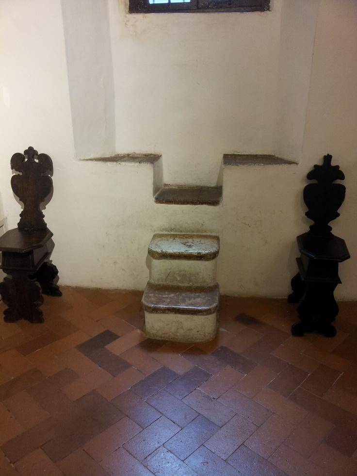 Casa Raffaello, interno