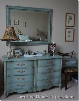 love this painted dresser