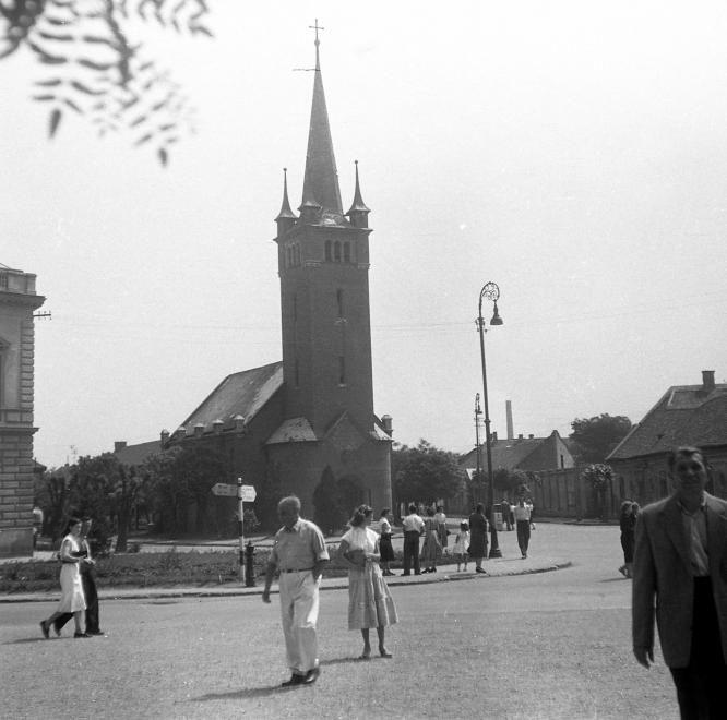 Szekfű Gyula utca 1., Evangélikus templom.