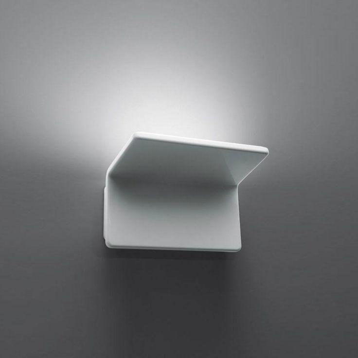 Artemide Cuma, lampada a led a luce indiretta perfetta per il soggiorno e la camera da letto.