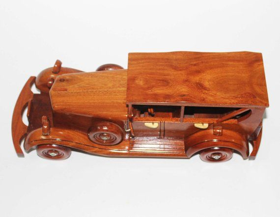 One of the most desirable American Full Classics 1931 Cord L-29 Cabriolet Wooden classic car handmade model