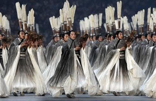 """la_gatta_ciara: """"ДРАКУЛА БРЭМА СТОКЕРА"""": ВОСТОК ПЛЮС ЗАПАД. ХУДОЖНИК ПО КОСТЮМАМ ЭЙКО ИШИОКА костюмы для открытия Олимпиады в Пекине"""