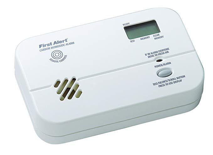 First Alert Fcd4cn 3 Battery Powered Carbon Monoxide Alarm Review Carbon Monoxide Alarms Carbon Carbon Monoxide