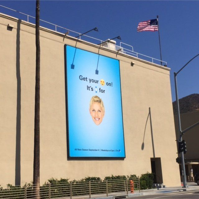 Lucky enough to get tickets to The Ellen Show taping at WB Studios in Burbank? If so, enjoy a meal at The Smokehouse Restaurant across the street prior to, or just after the taping. #GlitteratiToursLA