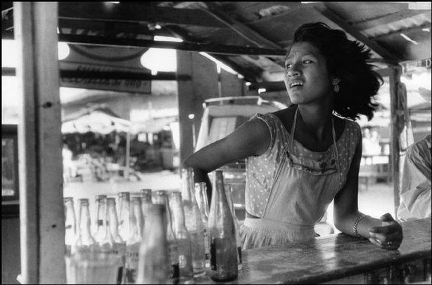 """Photography is nothing- it's life that interests me."" ~ Henri Cartier Bresson: Henry Cartier Bresson, Acapulco Mexico, Magnum Photo, Cartier Bresson Mexico, Henri Cartier Bresson, Henry Cartierbresson, Vintage Photography, Mexico 1963, Cartier Bresson Cafe"