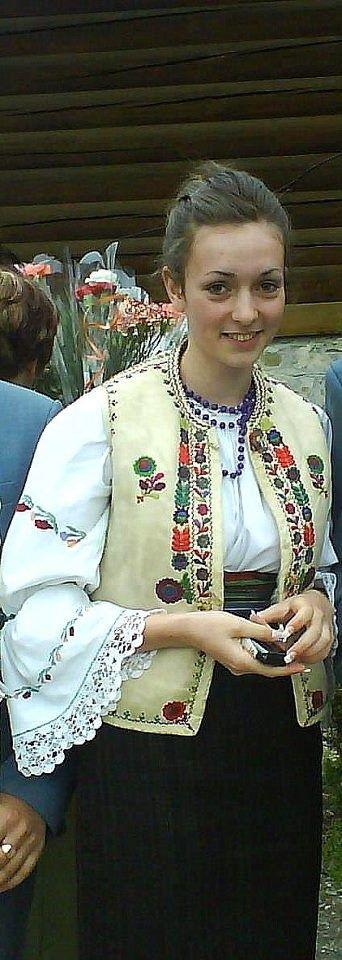 Gyimesi, csángó népviselet - Erdély
