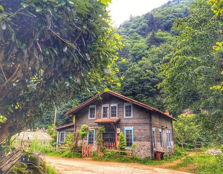 Wooden Lazian House → Rize ⛵ Eastern Blacksea Region of Turkey ⚓ Östliche…