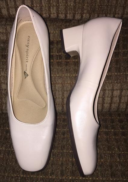 "Vintage Shoes Easy Spirit ""Aristocrat"" NEW Pumps Size 7B Made in Brazi – La Guanaquita's Closet"