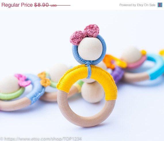 20% di sconto Infant bambino dentizione giocattolo / dentizione in legno giocattolo dentizione bambino Waldorf / Scegli il tuo colore / neonato regalo di TOP1234 su Etsy https://www.etsy.com/it/listing/205964672/20-di-sconto-infant-bambino-dentizione
