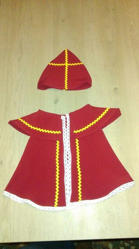 Sinterklaaspak voor Jules de klaspop (met patroon van Pompom)
