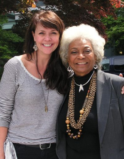 Awesome Women of SciFi: Amanda Tapping & Nichelle Nichols.  Love this pic.