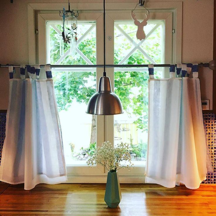 Hetki keittiössäni. #koti #keittiö #uudetverhot #homesweethome #futuremarja