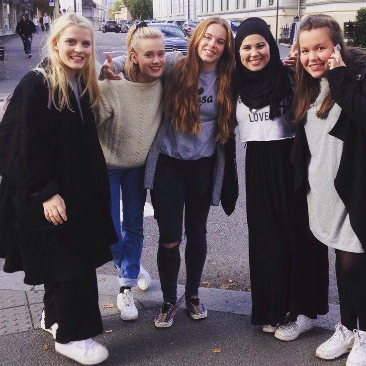 Skam girls squad