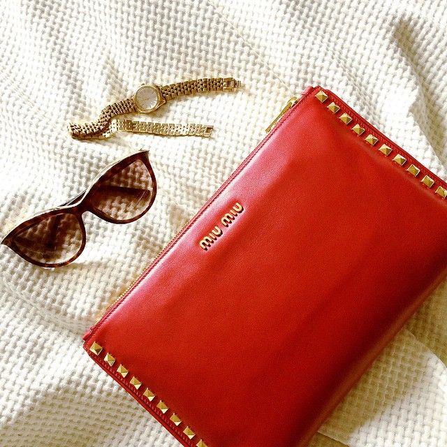 Accessories for today @miumiu clutch, @michaelkors sunglasse and watch ▪️www.byvanityglam.com▪️ OfficialHashtag #ITALIAbyvanityglam  #miumiu #venice #italia #love #beautiful #tbt #loveit #instamood #instalike #instagood #follow #photooftheday #igers #cute #fashion #lifestyle #liketkit #20likes #malditamoda #bcn #details #rusia #blog #fashionblog #followme #rusia #good #girl #liketkit #me #cute #accessories