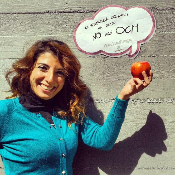 Gli OGM? Se vi piacciono tanto mangiateveli voi. Noi preferiamo cibi italiani doc, di qualità, non contaminati. E tu? Dillo con una foto: #ItaliaNOogm [Leggi qui -> www.legambiente.i...] #LegambienteBasilicata