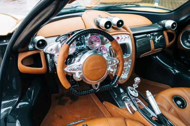 pagani huayra the steampunk hypercar interior that will blow your mind pictures page 6. Black Bedroom Furniture Sets. Home Design Ideas
