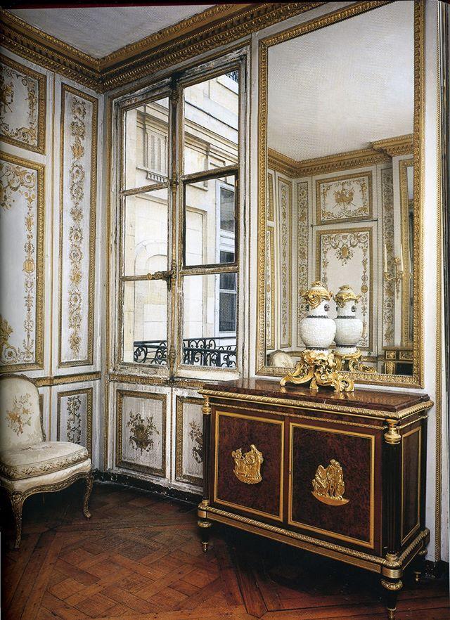 Les 1121 meilleures images du tableau versaille sur for Chambre louis xvi versailles