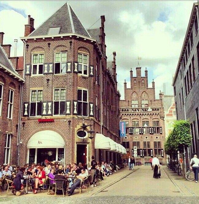 Eenmaal binnen bij #Mofongo's weet je dat dit the place to be is. #cocktails #Groningen